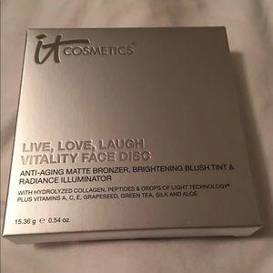 It Cosmetics Vitality Face Disc NIB